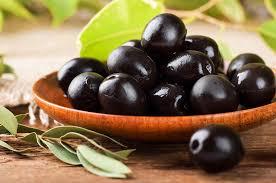aceitunas negras - Alimentos para combatir el acné