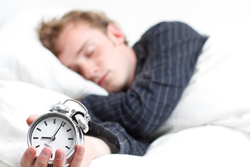 chico dormido - Claves para tu desempeño laboral
