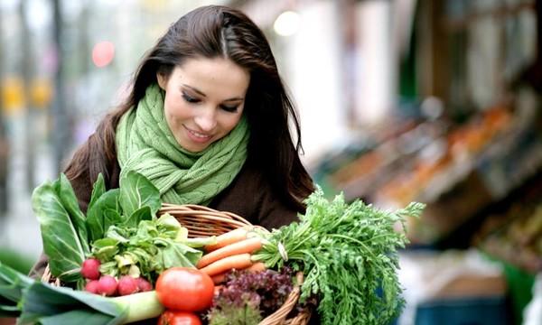 chica con bufanda - Tips para mantenerte saludable en invierno